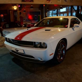 Dodge Challenger V6 Redline
